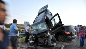 Kovancılar'da İki Otomobil Çarpıştı 7 Yaralı