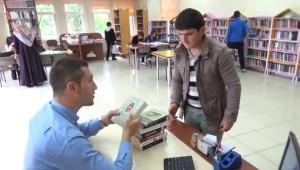 Gümüşhacıköy'de Bir Çoban İlçe Kütüphanesinin En Fazla Okuyan Üyesi Oldu