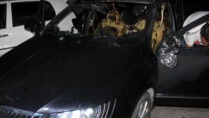 PKK Yandaşları Diyarbakır'da Otomobil Kundakladı