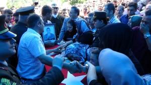 Şehit Askerin Cenazesinde Gözyaşları Sel Oldu
