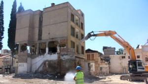 3 Katlı Bina Böyle Yıkıldı