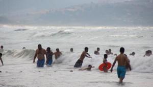Ek Fotoğraflar// Şile'de 4 Kişi Boğuldu, 1 Kişi Denizde Kayıp