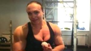 Erkeklerden Fazla Kası Olan Rus Atletin Şaşırtan Vücudu