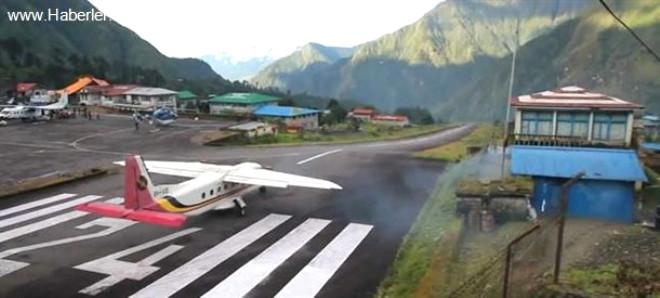 Dünyanın en tehlikeli havaalanlarından biri olan Nepal