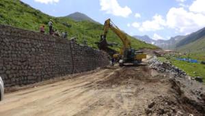 Yeşil Yol'un Duvarları Yaylaları Ortadan Bölmeye Başladı