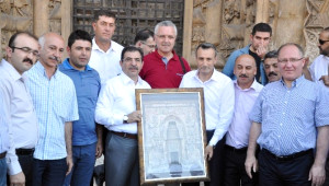 Bakan Güllüce, Divriği Ulu Cami'ne Hayran Kaldı