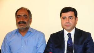 Demirtaş'tan Şehit Askerin Ailesine Taziye Ziyareti