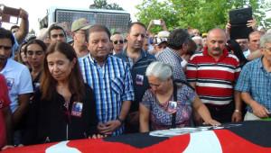 Fikret Otyam, Hacıbektaş'ta Aydınlar Mezarlığı'na Defnedildi