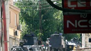 Silvan'da Hendek Kazan PKK'lılar Polisle Çatıştı, Jandarma İlçede Önlem Aldı