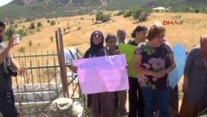 Şile'de Vahşi Cinayete Kurban Giden Kadını, Son Yolculuğuna Kadınlar Uğurladı