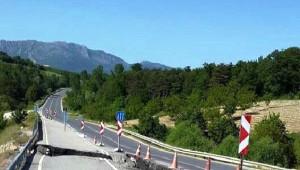 Sakarya'da Çöken Yol Onarıldı