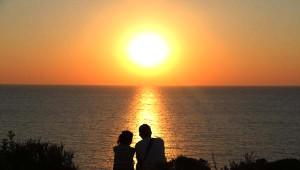 Bozcaada'da Gün Batımı Romantizmi