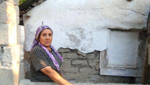 Baraka Evi Bakımsızlıktan Yıkılmak Üzere Olan Şehit Ailesinin Sitemi