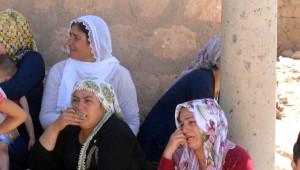 Diyarbakırlı Şehit Polisin Köyünde Kürtçe Ağıtlar Yakıldı