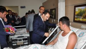 İçişleri Bakanı Altınok, Muş'ta Yaralı Askerleri Ziyaret Etti