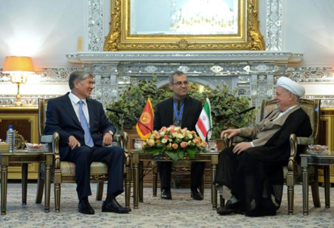 Kırgızistan Cumhurbaşkanı Atambayev İran'da