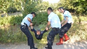 Boğulmaktan Polis Kurtardı