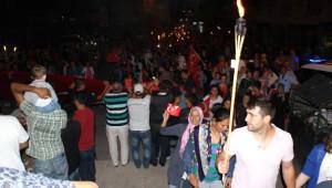 Manyas'ta Şehitlere Saygı Yürüyüşü