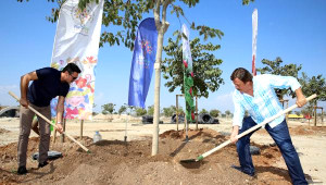 Selami Şahin Expo'ya Ağaç Dikti, Şarkı Söyledi