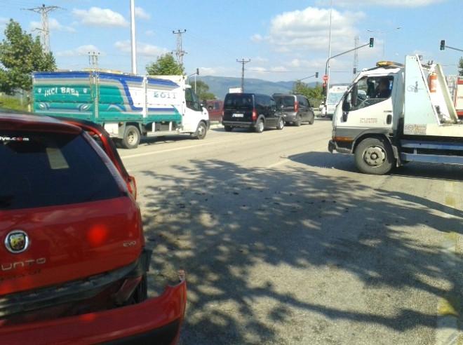 Bursa'da Yolcu Midibüsü Yan Yattı: 11 Yaralı