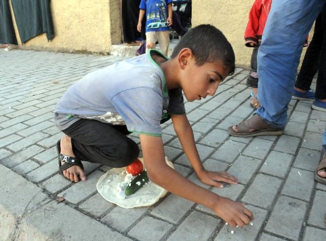 Mültecilerin Cami Avlusunda Yaşam Mücadelesi