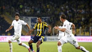 Fenerbahçe: 2 - Akhisar Belediyespor: 0 (İlk Yarı)