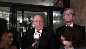 Yabancı Diplomatlar Ahmet Hakan'ı Evinde Ziyaret Etti