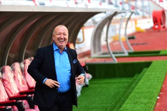 Antalya'nın Güneş Enerjili Stadı İlk Maça Hazır