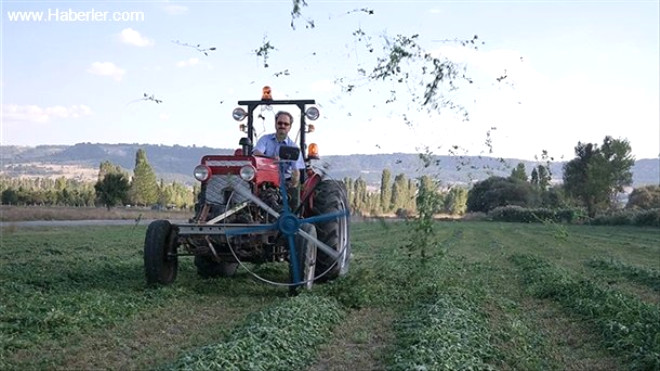 Türk Çiftçiden 'İsviçre Çakısı' Gibi Traktör