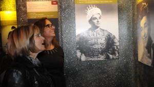 Sanat Güneşi'nin Sergisi Doğduğu Bursa'da Açıldı