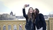 Selfie Modası Estetik Yaşını Düşürdü