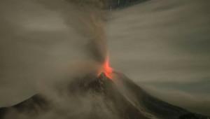 Sinabung Yanardağı Yeniden Faaliyete Geçti