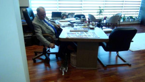 CHP'li Başkan, Makam Odasını 'Barış'a Açtı