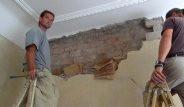 Yıktıkları Duvarın İçinden 2. Dünya Savaşı Belgeleri Çıktı