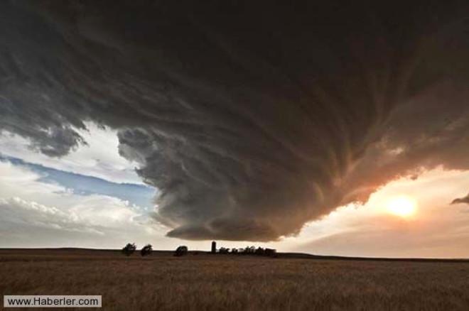 Kasırgalar ve Bıraktıkları İzler