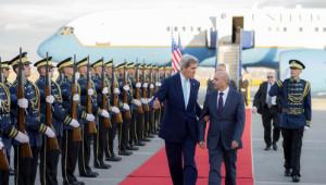 Kosova'ya Gelen Kerry, Havaalanından Dışarı Çıkmadı