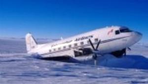 Kutuplarda Arızalanan Uçağı Yolcular Tamir Etti