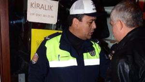 Adana Kebap ve Şalgam Festivali, Silahlı Kişiler Tarafından Havaya Ateş Açılarak Protesto Edildi