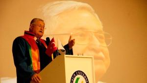 Eski Bakan Hasan Celal Güzel'e Fahri Doktora Unvanı