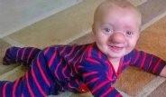 Yaşayan Pinokyo Bebek Görenleri Şaşırtıyor