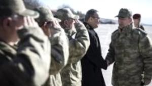 Orgeneral Hulusi Akar Şırnak'ta Birlikleri Denetledi