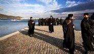 Aynaroz Adası Sadece Erkek Ziyaretçileri Kabul Ediyor