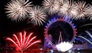 Dünya Yeni Yıla Havai Fişeklerle, Görsel Şölenlerle Girdi