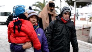 Kaçak Göçmenler Bu Kez de Soğukla Mücadele Etti