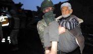 Mehmetçik, PKK'nın Ölüme Terk Ettiği Yaşlı Çifti Kurtardı