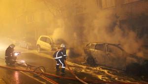 Hasta İçin Gelen Ambulans Patlamayla Alev Topuna Döndü,mahalleli Sokağa Fırladı