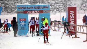 Arkut Dağı'nda Kayaklı Koşu Heyecanı