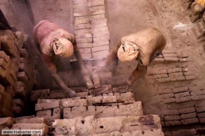Bangladeşli İşçilerin Tuğla Cehennemi