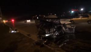 İki Otomobil Kavşakta Çarpıştı: 3 Ölü, 5 Yaralı