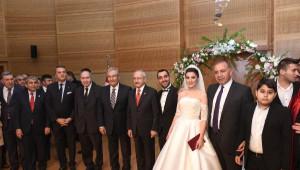Kılıçdaroğlu, Gürsel Tekin'in Oğlunun Nikahında Şahitlik Yaptı